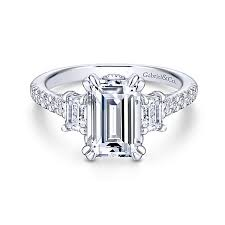 3 engagement ring charlene 18k white gold emerald cut 3 stones engagement ring