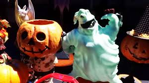 halloween time 2017 food and treats preview display at disneyland