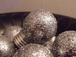 diy tree ornaments light bulbs silver glitter