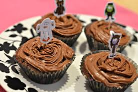 halloween chocolate cupcakes recipes life with pink princesses
