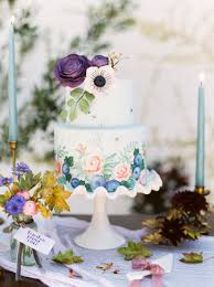 6 cute wedding cakes from austin bakers