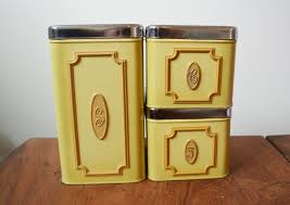 kitchen canisters canada 387 best vtg kitchen yellows images on vintage