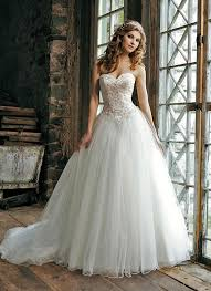 wedding dress nz princess wedding dress with tulle skirt and lace bodice 3656
