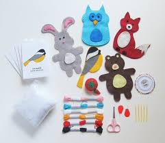 amazon com craftster u0027s sewing kits woodland animals craft