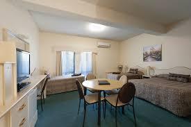 Meryl Streep Home by Family Suite 1 Room Garden City Motor Inn Central Wagga