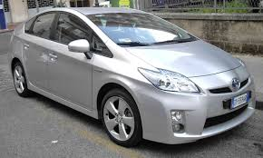 2007 toyota prius gas mileage buzzdrives com 29 used vehicles that get great gas mileage