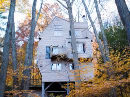 Treehouse Living Treehouse You Can Live In In Connecticut Business Insider