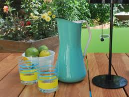outdoor turquoise home decor for your backyard