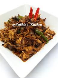 membuat nasi goreng cur telur ikan bilis dgn telur masak kicap anchovies with egg in soy sauce