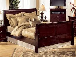amish sleigh bedroom sets sleigh bedroom sets with various