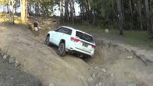 jeep grand cherokee trailhawk off road jeep grand cherokee wk2 trailhawk youtube