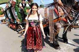 photos kim kardashian does oktoberfest