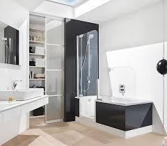 moderne badezimmer mit dusche und badewanne badewanne und dusche in einem oder badewanne mit brause