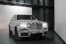 2018 rolls royce cullinan the first rolls royce suv hits the streets two years ahead of its