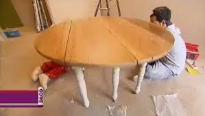 relooker une table de cuisine customiser une vieille table en bois minutefacile com