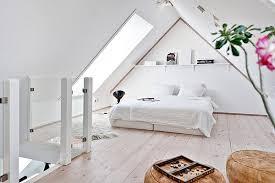 wohnideen minimalistische schlafzimmer wohnideen schlafzimmer mit schrge minimalistisch schlafzimmer mit