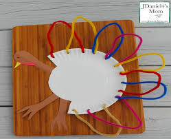 thanksgiving crafts for paper plate turkeys