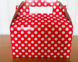 polka dot boxes and white polka dot take out party boxes with matching