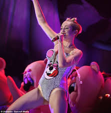 Halloween Costumes Teddy Bear Paris Hilton Splashes 5k Halloween Costumes Including Twerking
