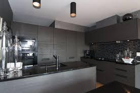 cuisine gris et cuisine gris blanc et bois 100 images grise la