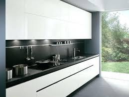 cuisine blanche plan de travail noir cuisine moderne blanc laque photo de meuble cuisine laquac blanc