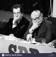 Jenkins Table L Sdp Founder Members Bill Rogers L And Leader Roy Jenkins During