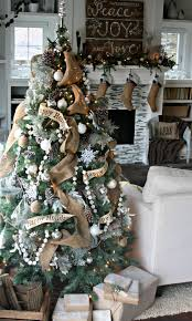 9 inspiring christmas tree themes that you will love