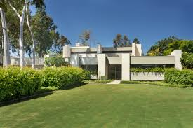 1979 socal modern home with vineyard asks 3m curbed