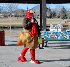 cortez pet owners turn out for thanksgiving turkey trot