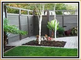 Ideas For Fencing In A Garden Garden With Fence Fencing Ideas Fences Gates Design For Outdoor