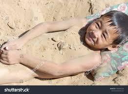 Дети голый|Dreamstime.com