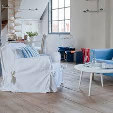 couvrir un canap canapé pas cher relooker canapé sans se ruiner c est possible