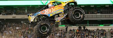 monster truck show massachusetts record breaking performance monster jam
