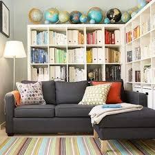 étagère derrière canapé salon mise en page idées placez une bibliothèque derrière votre