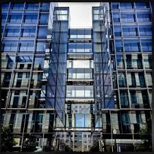 glass box architecture has held sway in d c long enough