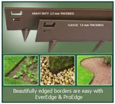 Steel Landscape Edging by Best 25 Metal Landscape Edging Ideas On Pinterest Plastic