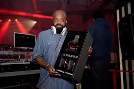 crown royal gift set jermaine dupri honored with limited edition crown royal gift at