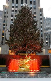 new york december 18 rockefeller center christmas tree and