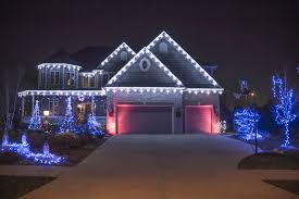 How To Hang Christmas Lights Outside by Outdoor Christmas Lights Installation Sacharoff Decoration