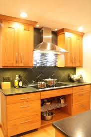 Natural Cherry Shaker Kitchen Cabinets 99 Best Cherry Wood Cabinet Kitchens Images On Pinterest Cherry