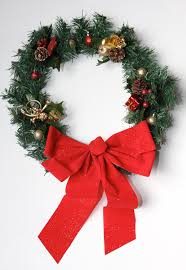 Holiday Wreath Diy Super Easy 7 Holiday Wreath Chic Steals