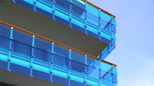 glas f r balkon sichtschutz aus glas edler look für den balkon