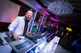 wedding dj wedding band vs dj who to hire for your reception inside weddings