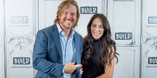 where do chip and joanna live chip and joanna gaines age how old is joanna gaines