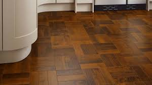 suppliers and fitters of karndean flooring for homes and businesses