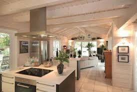 küche cremefarben offene küche im skandinavischen look fliesen holzp couchstyle