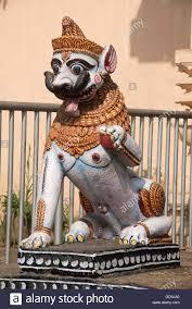 asian lion statues lion statue entrance of gundicha temple puri orissa india asia