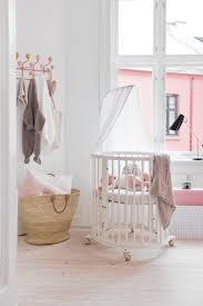 Stokke Mini Crib Beautiful Oval Shaped Scandinavian Designed White Crib Stokke
