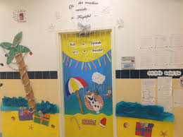 Holiday Door Decorating Contest – Adventures in Speech at p373 at ps48