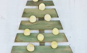 Wooden Christmas Ornaments To Decorate diy christmas ideas hometalk